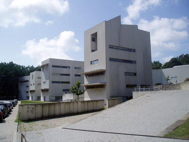 图7 Facultad de Arquitectura, University of Porto, Portugal, 1993